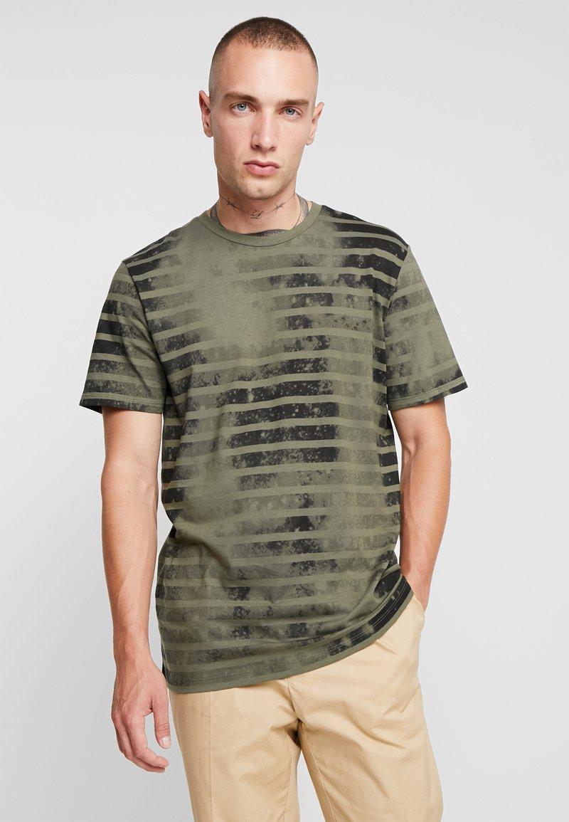 Jack & Jones - JORPLOP TEE CREW NECK - T-Shirt print - dusty olive