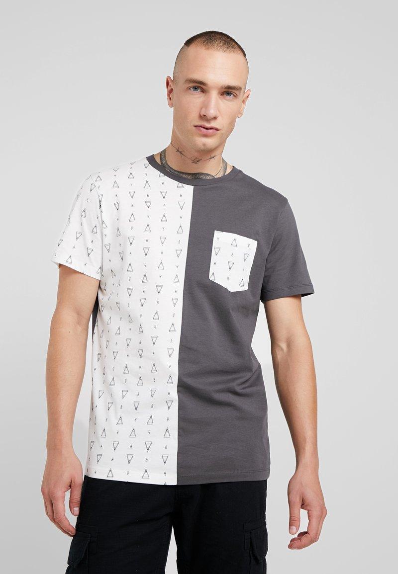 Jack & Jones - COGRED TEE CREW NECK - T-Shirt print - asphalt