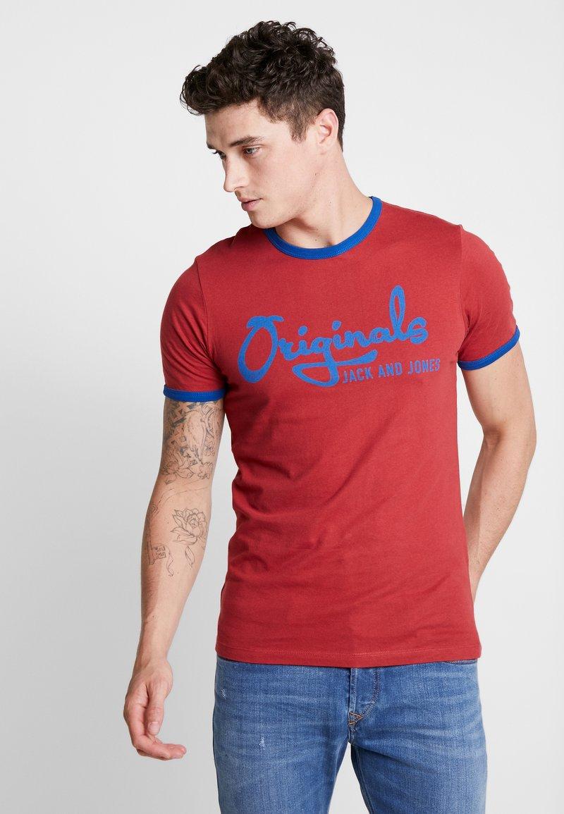 Jack & Jones - JORLEGEND TEE CREW NECK - Print T-shirt - brick red