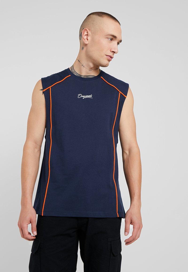 Jack & Jones - JORTREVOR MUSCLE TEE - Top - navy blazer