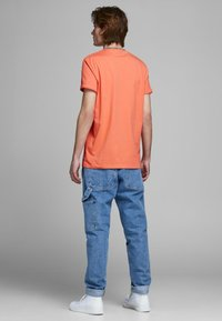 Jack & Jones - T-Shirt print - persimmon - 2
