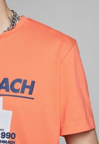Jack & Jones - T-Shirt print - persimmon - 3