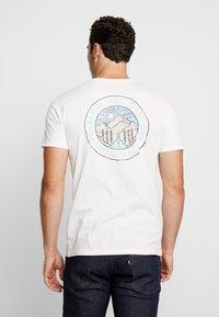 Jack & Jones - JORSUB SOUL TEE CREW NECK   - T-shirt print - cloud dancer - 2