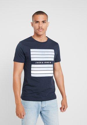 JCOQUICK TEE CREW NECK  - T-shirt med print - sky captain