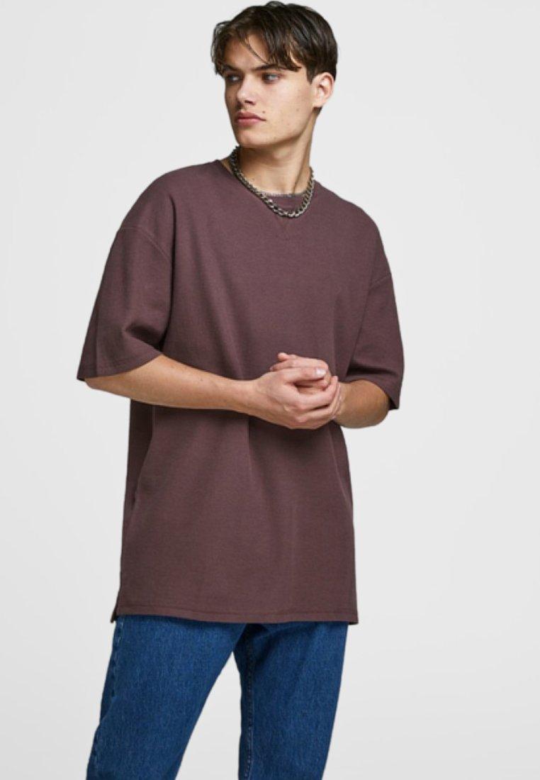 Jack & Jones - Basic T-shirt - fudge