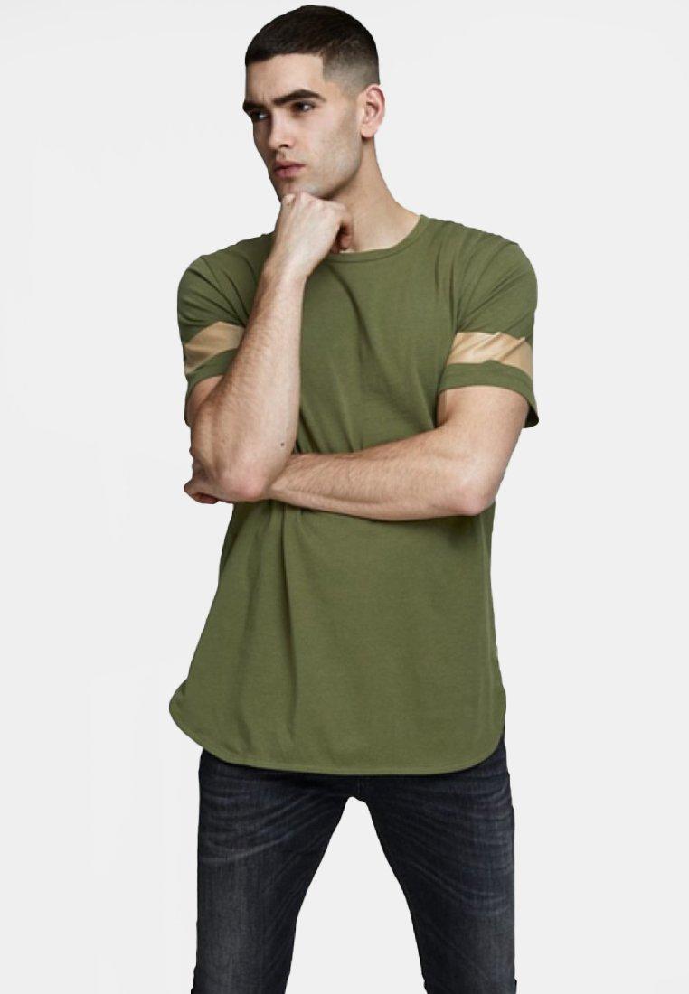 Jack & Jones - JCOREFLECT  - T-Shirt print - dark green