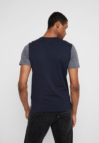 Jack & Jones - JCOTEMP TEE CREW NECK - T-shirt print - china blue - 2