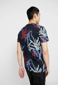 Jack & Jones - JORKALEX TEE CREW NECK - T-shirt med print - navy - 2