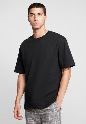 JORSKYLER BOX FIT TEE CREW NECK - T-shirt basique - tap shoe