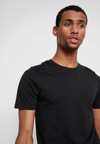 Jack & Jones - JJEORGANIC BASIC TEE - Camiseta básica - black - 4