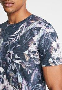 Jack & Jones - JORNATE TEE CREW NECK - T-shirt med print - navy blazer - 5