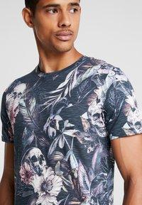 Jack & Jones - JORNATE TEE CREW NECK - T-shirt med print - navy blazer - 3