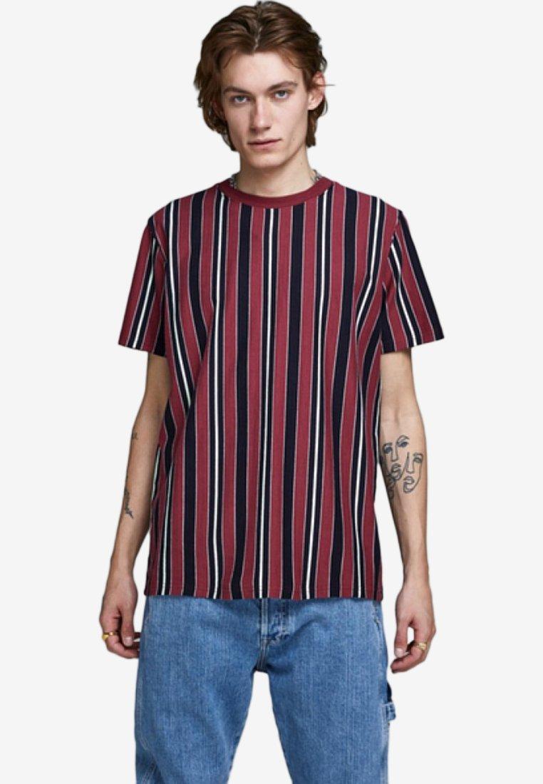 Jack & Jones - JOREDEN TEE - T-Shirt print - brick red