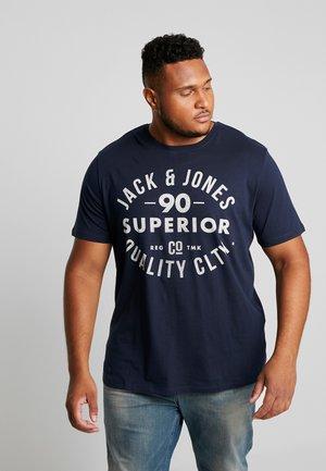 JJEJEANS TEE CREW NECK - T-shirt z nadrukiem - navy blazer