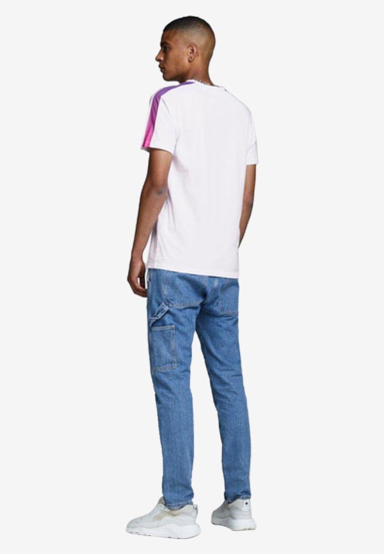 T ImpriméWhite Jackamp; T Jackamp; shirt Jones Jones Jackamp; shirt ImpriméWhite 7fgyb6