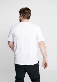 Jack & Jones - JORBASIC TEE CREW NECK 3 PACK - T-shirt basic - white/black/light grey melange - 3