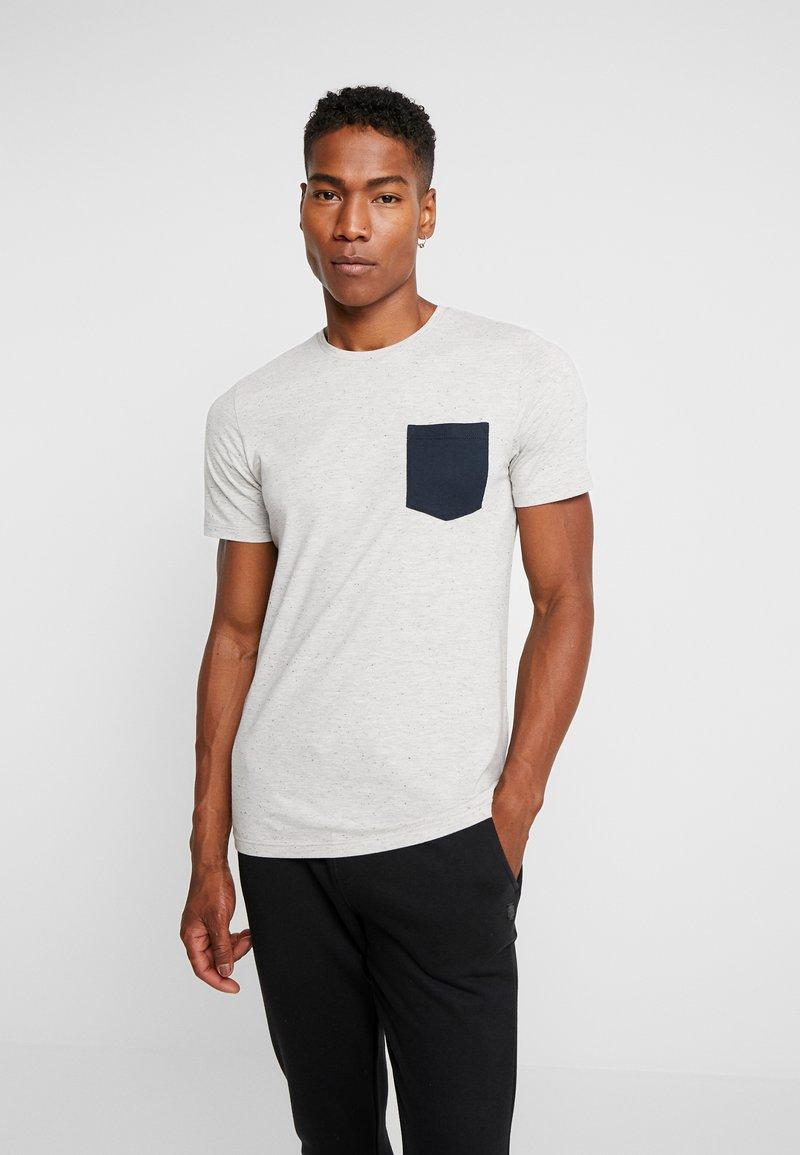 Jack & Jones - JORNEPSEN TEE CREW NECK - T-shirt med print - light grey melange