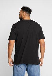Jack & Jones - JCOHORIN TEE CREW NECK - T-shirts print - black - 2