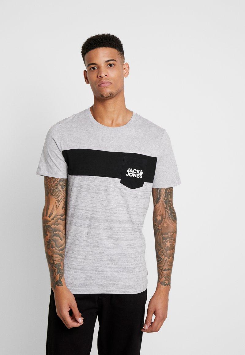 Jack & Jones - JCOSCOOP TEE CREW NECK SLIM - T-Shirt print - light grey melange