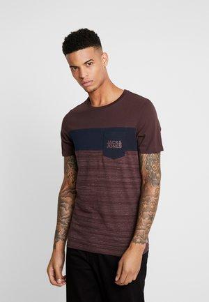 JCOSCOOP TEE CREW NECK SLIM - Print T-shirt - fudge / melange