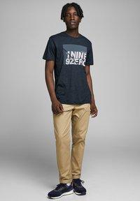 Jack & Jones - T-Shirt print - sky captain - 1