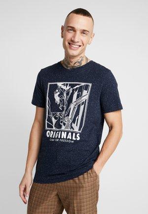 JORBRANDON TEE CREW NECK - T-shirt z nadrukiem - navy blazer