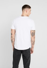 Jack & Jones - JCOHERKULES TEE CREW NECK SLIM FIT - Print T-shirt - white - 2