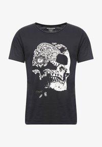 Jack & Jones - JORMOULDER TEE CREW NECK - T-shirt print - tap shoe - 3