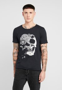 Jack & Jones - JORMOULDER TEE CREW NECK - T-shirt print - tap shoe - 0