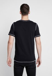 Jack & Jones - JCOBREAK TEE CREW NECK - Triko s potiskem - black - 2