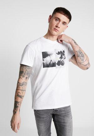 JORALIGHT TEE CREW NECK  - Print T-shirt - white