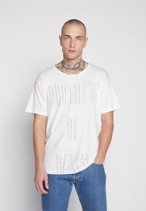 JORBODEN TEE CREW NECK - Triko s potiskem - cloud dancer