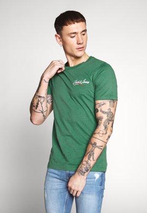 JORFLEXX TEE CREW NECK - Print T-shirt - fir