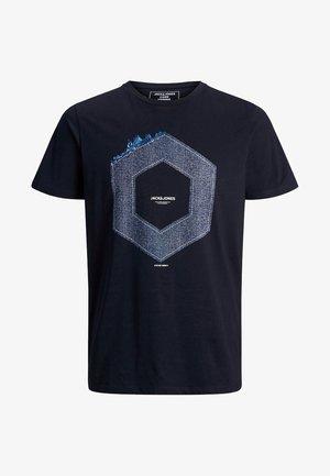 JCOTUTAN TEE CREW NECK - T-shirt z nadrukiem - sky captain