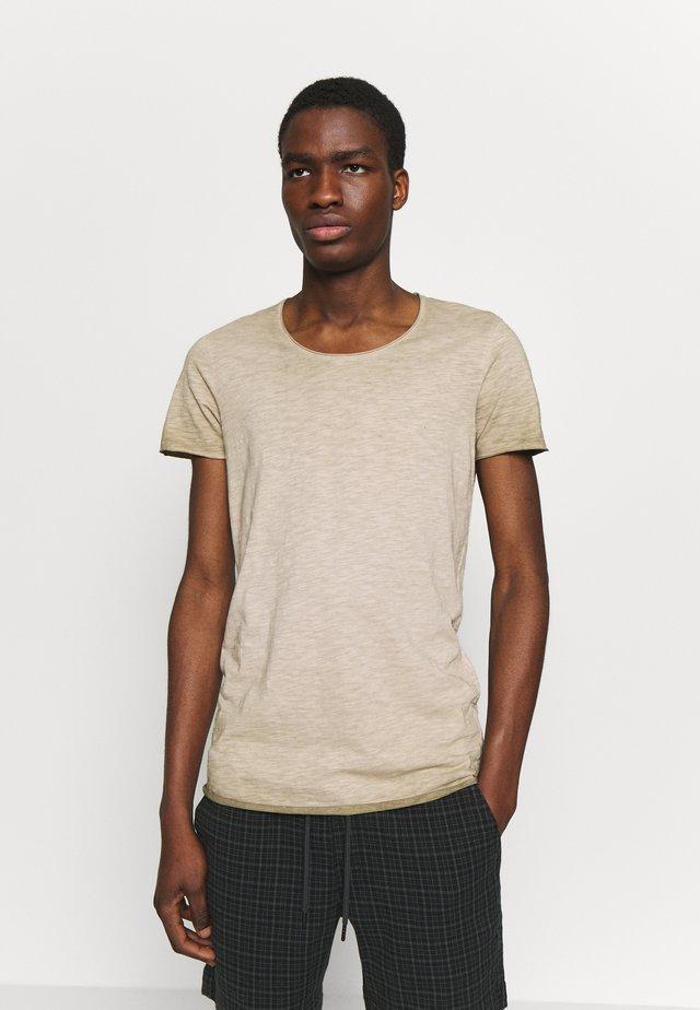 JORBAS TEE CREW NECK - Basic T-shirt - crockery
