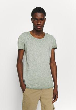 JORBAS TEE CREW NECK - T-shirt basic - green milieu