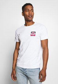 Jack & Jones - JCOSTRONG TEE CREW NECK - Print T-shirt - white - 0