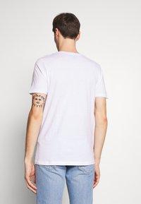 Jack & Jones - JORCAFE TEE CREW NECK SLIM FIT - Print T-shirt - white - 2