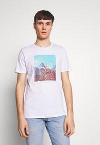 Jack & Jones - JORCAFE TEE CREW NECK SLIM FIT - Print T-shirt - white - 0