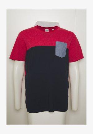 JCOEAGLE TEE CREW NECK  - Print T-shirt - rio red