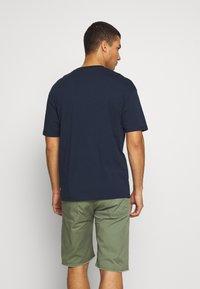 Jack & Jones - JORLOGGS TEE CREW NECK  - T-Shirt print - navy blazer - 2