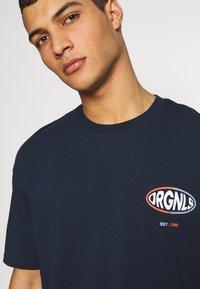 Jack & Jones - JORLOGGS TEE CREW NECK  - T-Shirt print - navy blazer - 3