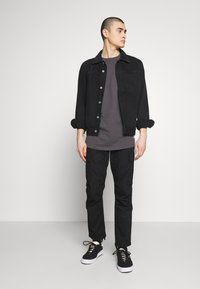 Jack & Jones - JCOALEX TEE CREW NECK - Basic T-shirt - asphalt - 1