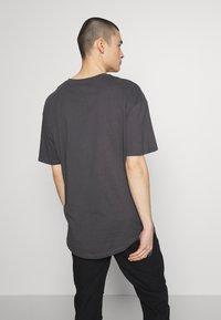 Jack & Jones - JCOALEX TEE CREW NECK - Basic T-shirt - asphalt - 2