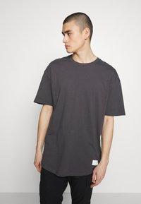 Jack & Jones - JCOALEX TEE CREW NECK - Basic T-shirt - asphalt - 0