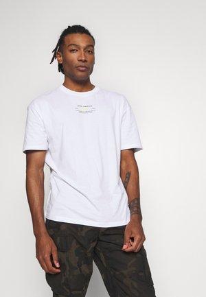 JCOBARKER TEE CREW NECK  - Print T-shirt - white