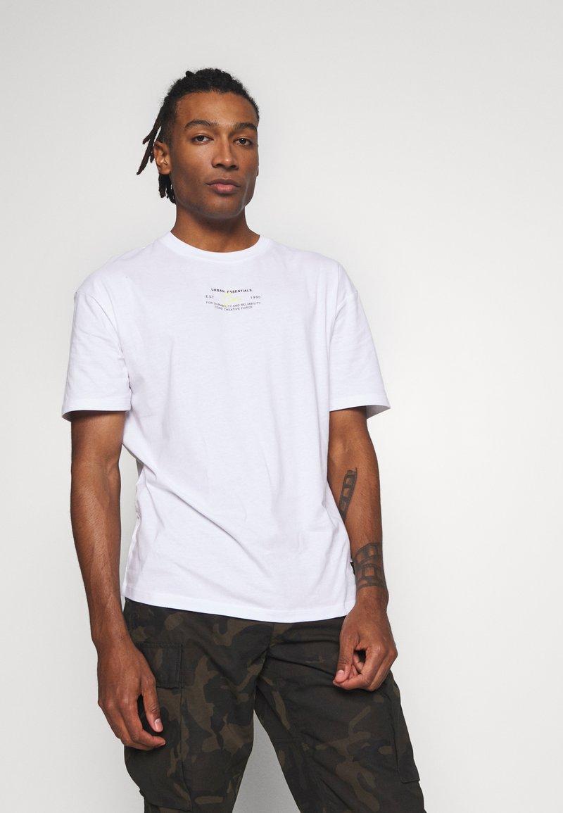 Jack & Jones - JCOBARKER TEE CREW NECK  - Print T-shirt - white