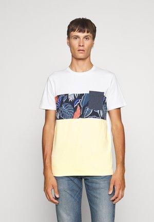 JORFLAME CUT TEE CREW NECK - T-shirt med print - flan