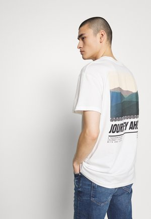 JORSUNS TEE CREW NECK - Triko s potiskem - cloud dancer