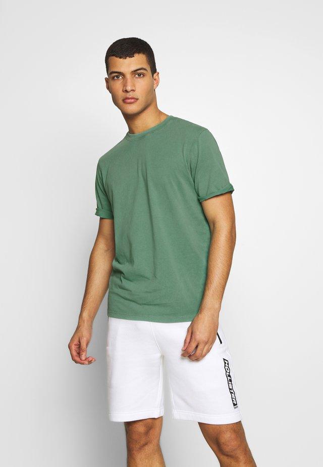 JORLEVEL TEE CREW NECK - Basic T-shirt - fir
